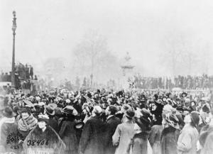 Armistice Day London, 11 November 1918 – Crowds outside Buckingham Palace From the Collections of the Imperial War Museums